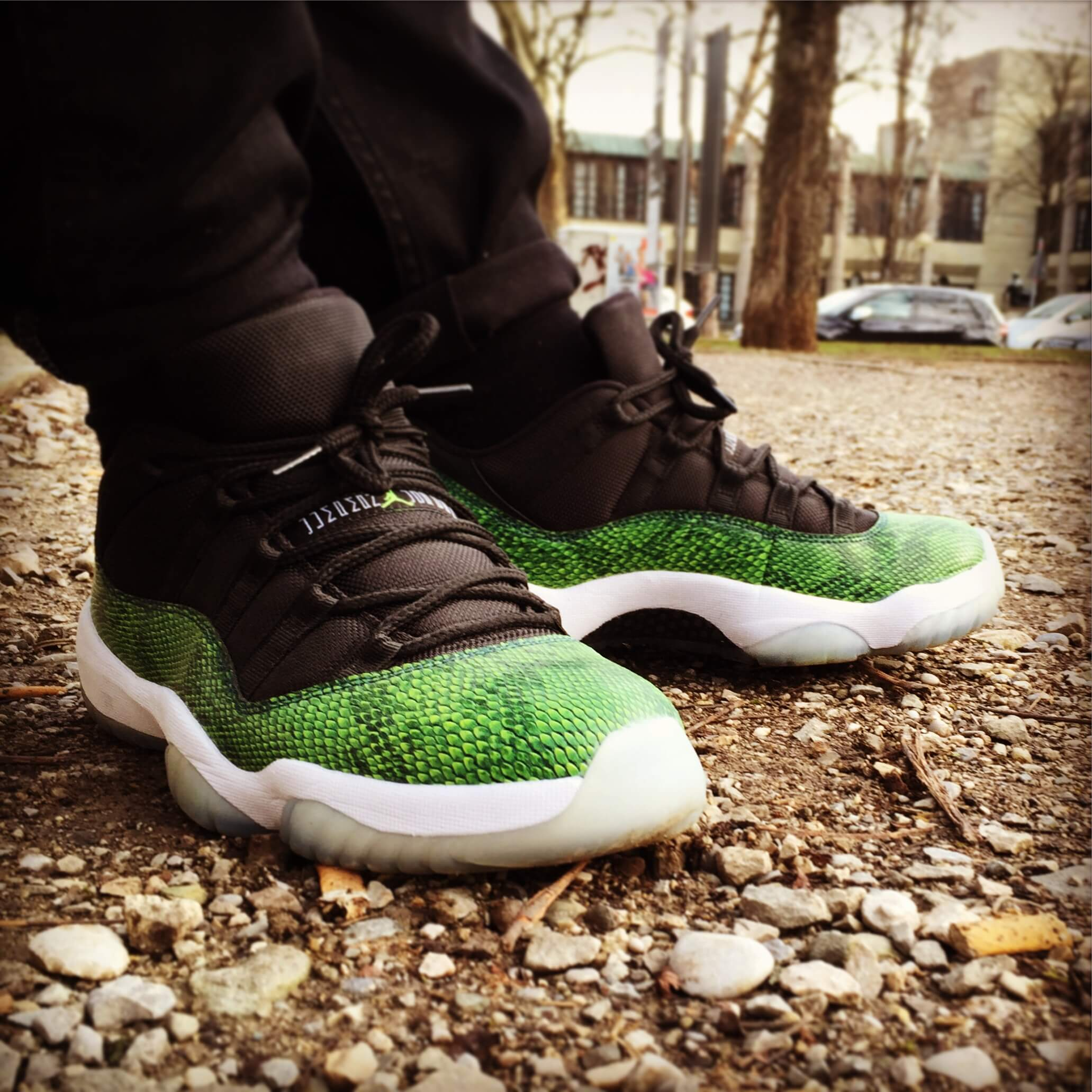 Air-Jordan-11-Low-Green-Snake-Nightshade-Side-View-Benstah