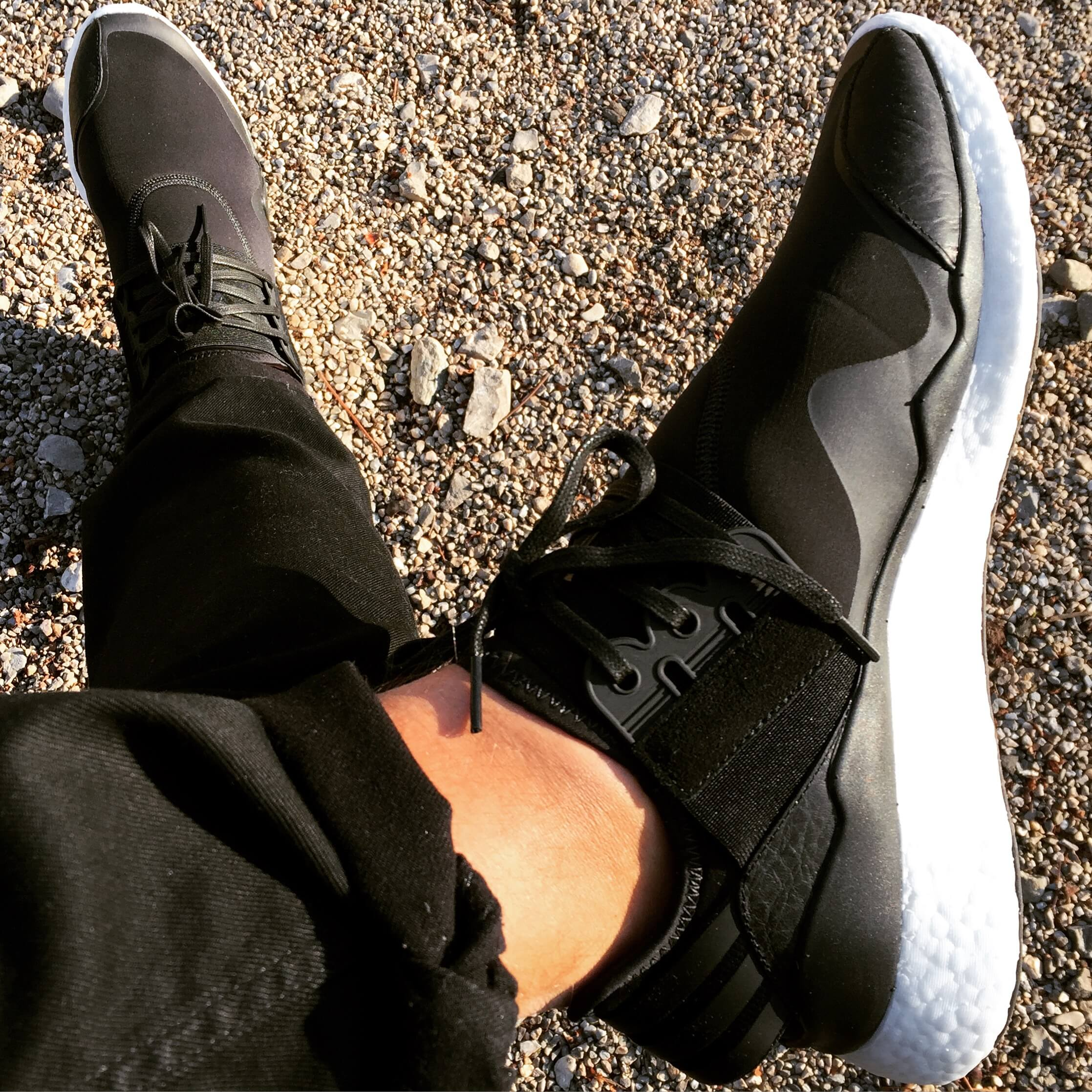 Y-3-Retro-Boost-Triple-Black-Top-View-Benstah-Onfeet