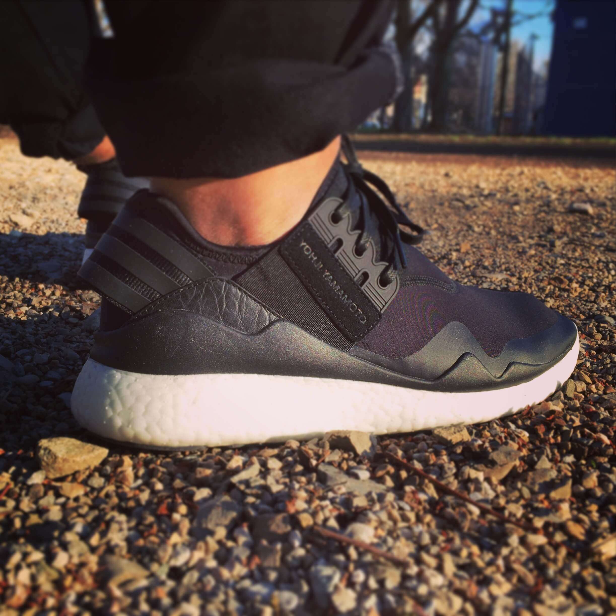 Y-3-Retro-Boost-Triple-Black-Rear-View-Benstah-Onfeet