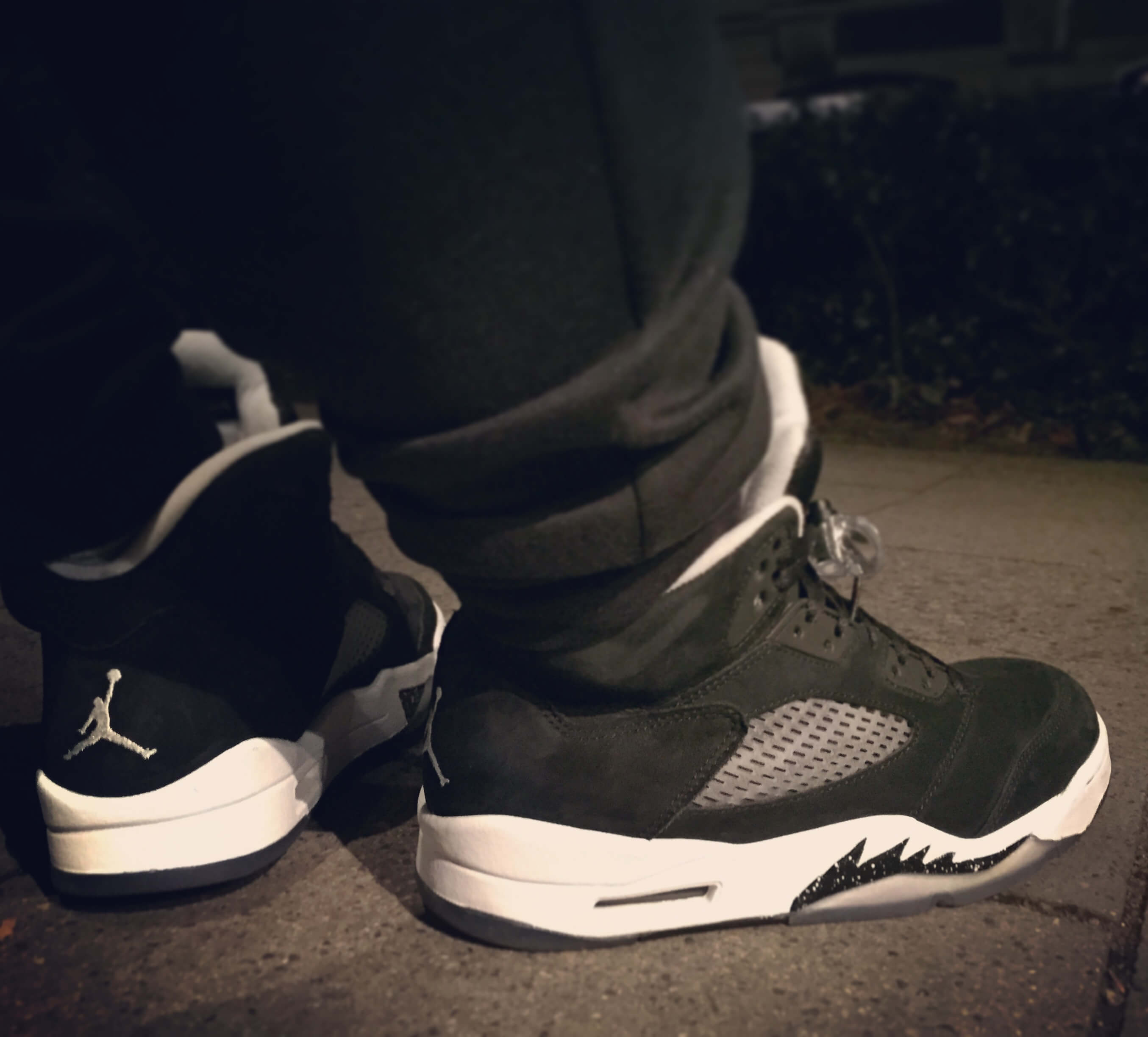 Air-Jordan-5-Oreo-Rear-View-Benstah-Onfeet