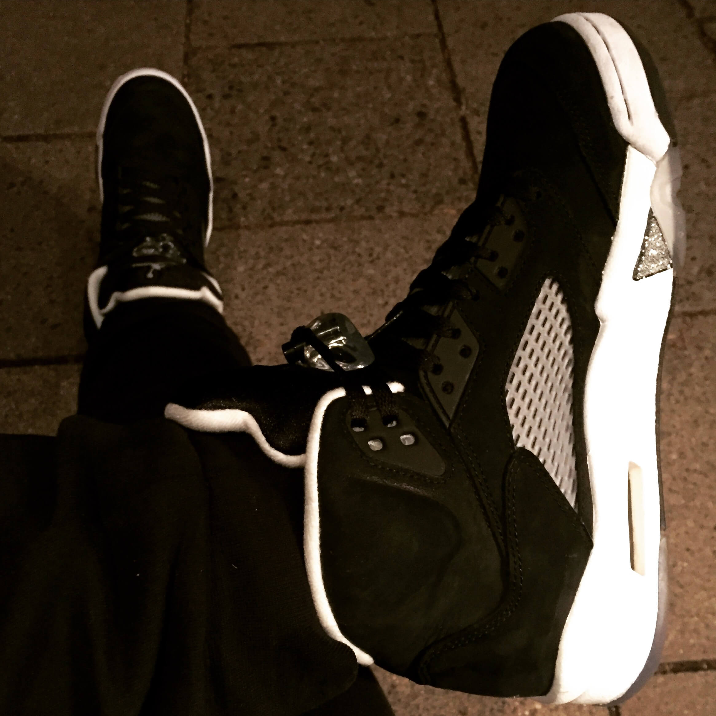 Air-Jordan-5-Oreo-Top-View-Benstah-Onfeet