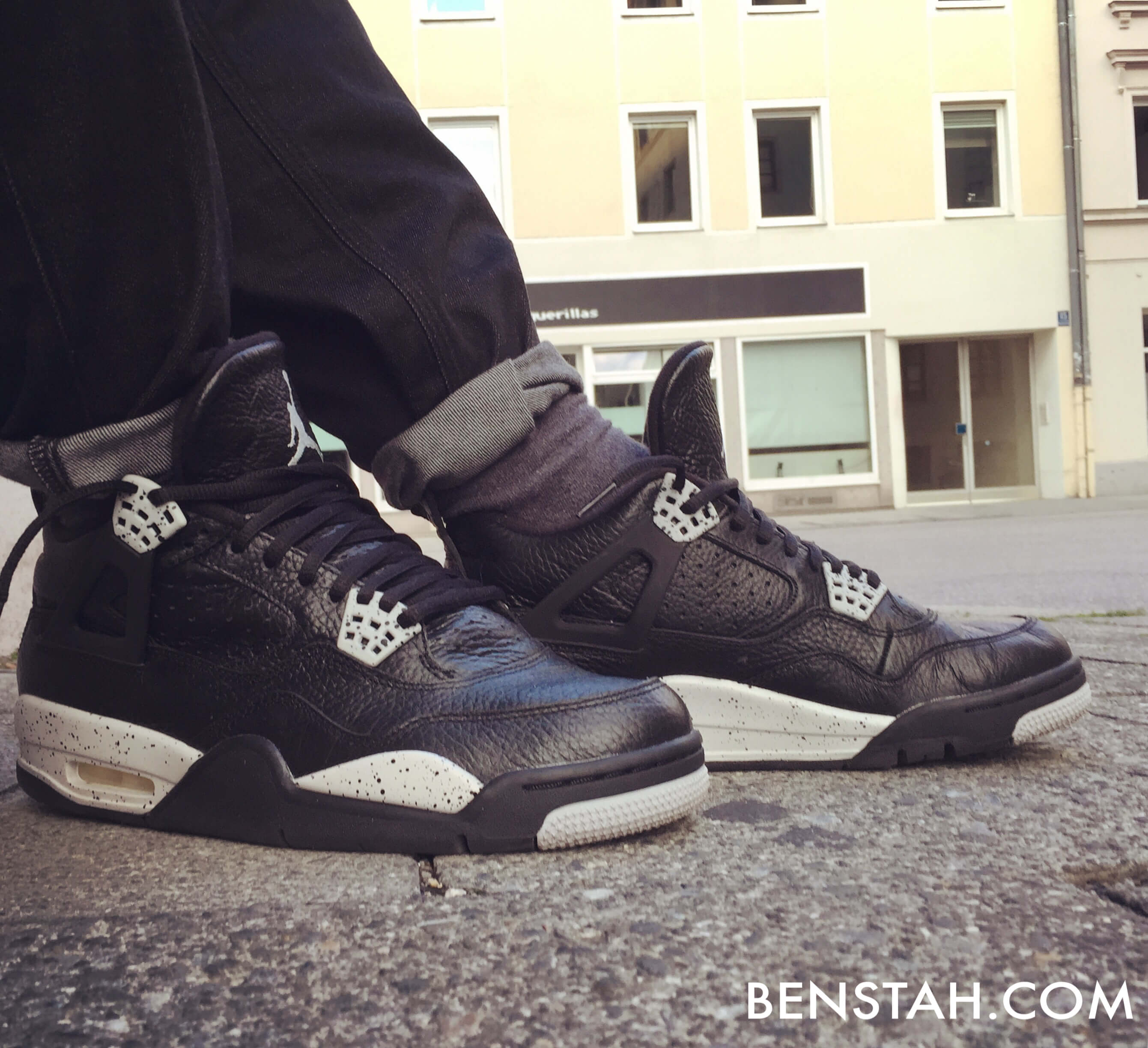 Air-Jordan-4-Oreo-Side-View-Benstah-Onfeet